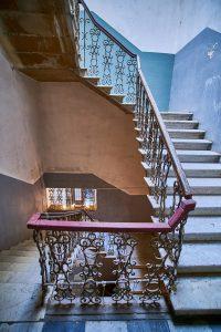 Ascensor en hueco de escalera